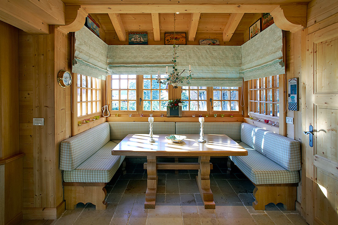 Interior decoration for a warmly welcoming chalet for Interieur chalet bois montagne