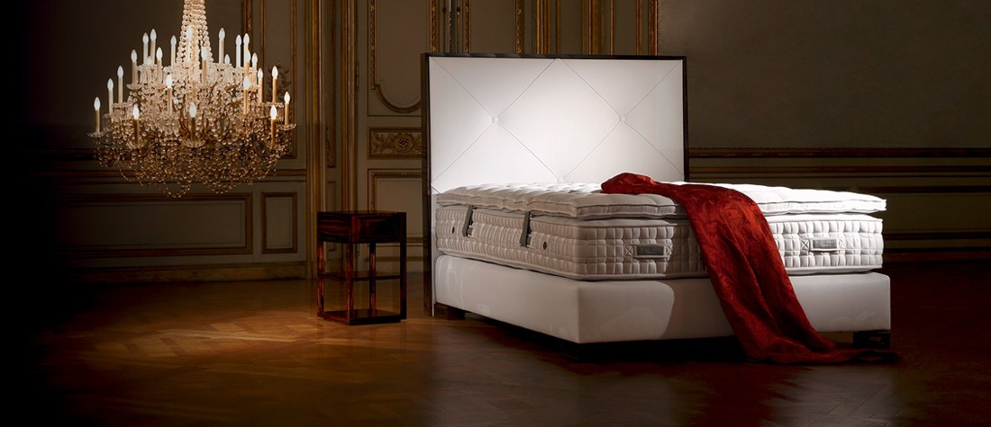 treca interiors paris beds and bedding showroom in. Black Bedroom Furniture Sets. Home Design Ideas